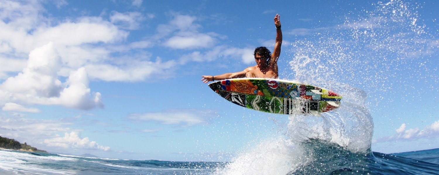 Surfing-at-Encuento-Cabarete-with-Hooked-Cabarete-1500×600